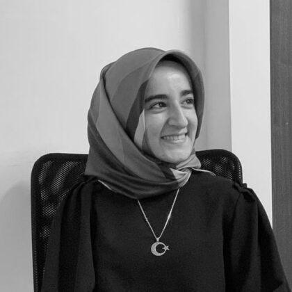 """busra gur Osmanlı Dönemi Risâle/Lâyiha Geleneği İçerisinde Keçecizade İzzet Molla'nın """"Islâh-ı Nizâm-ı Devlete Dâir Lâhiya"""" Adlı Eserinin Yeri"""
